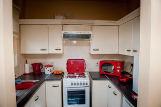 brickfield-court-blighs-lane-derry-apex-kitchen